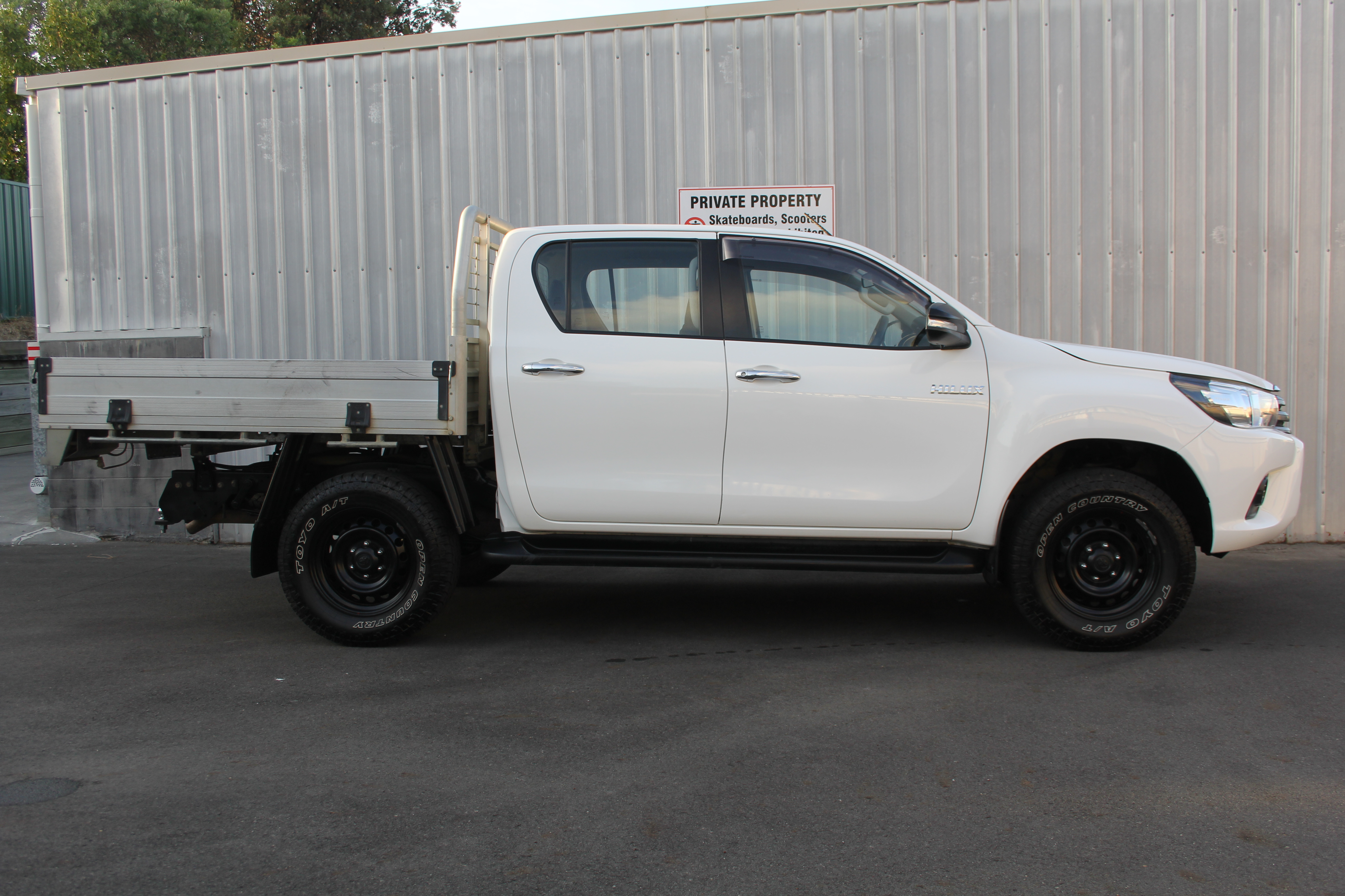 Toyota Hilux 4WD 2016 for sale in Auckland
